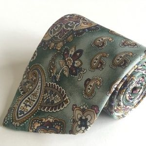 Bill Blass Country Collection Paisley Necktie